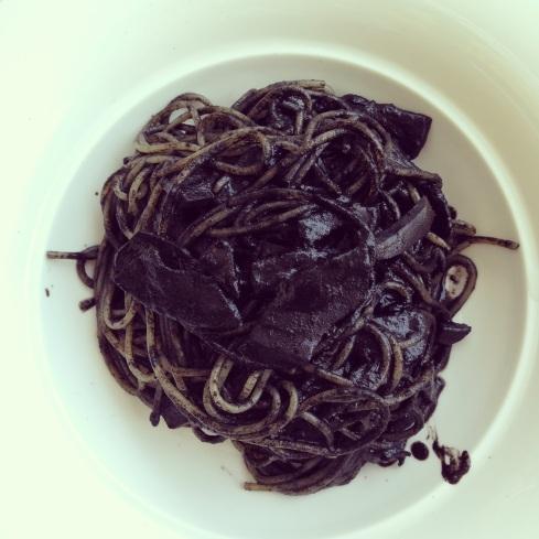 Monochrome Nero Spaghetti